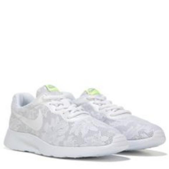 7d44b51e69 Nike Shoes | New Nib Tanjun White Flower Design Shoe | Poshmark